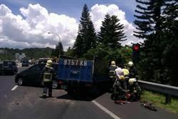 北二高追撞車禍 1人受傷