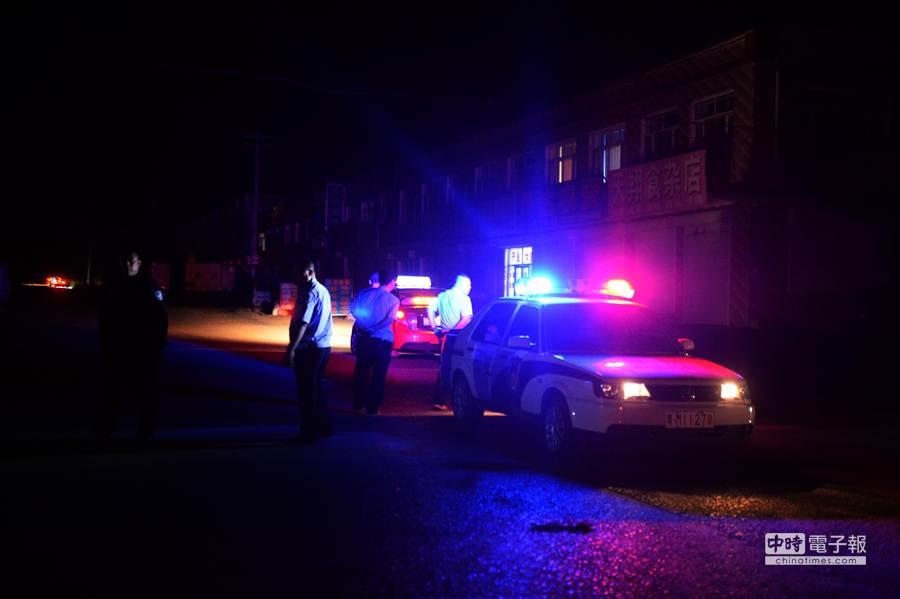 新華社照片。 7月31日,警方已在蘭西縣周邊主要路段設卡攔堵。