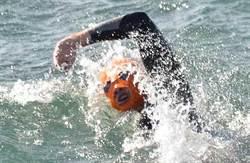 停擺21小時 泳渡海峽再接再厲
