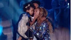 碧昂絲MTV音樂大獎公開熱吻 破離婚傳言