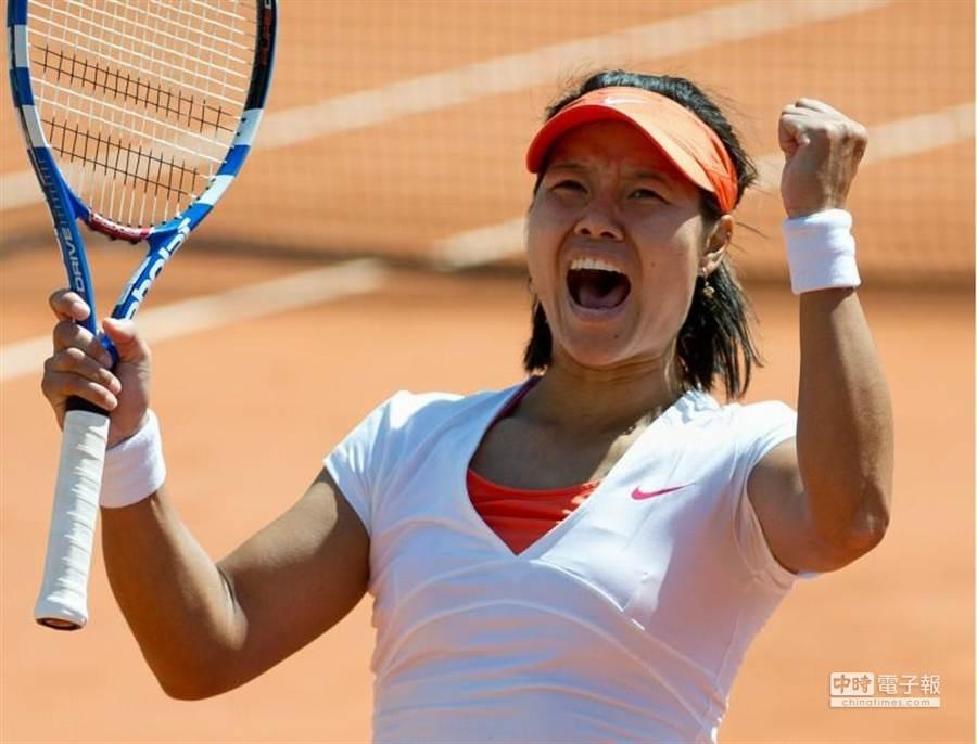 兩度奪得大滿貫賽后冠的中國網球一姐李娜,即將進入網球名人堂,成為大陸第一人。(新華社/資料照)