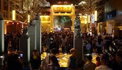 南昌首條特色美食街開街迎客