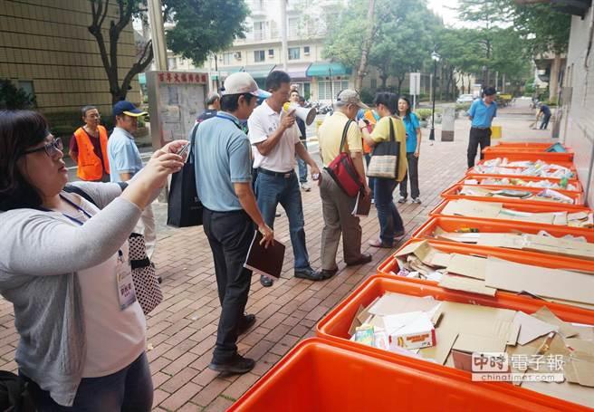 龍潭百年大鎮落實垃圾分類,1年可產出60噸資源回收物。(楊宗灝攝)
