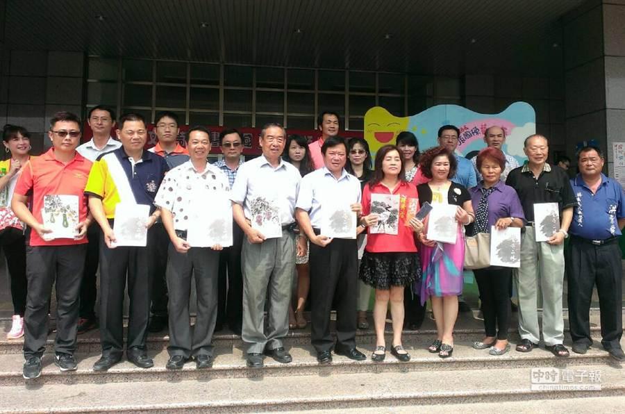 二林鎮各界齊聚圖書館為即將登場的儒林文化季暖身。(鐘武達攝)