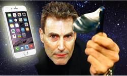 什麼?!不要鬧了!Uri Geller使用念力彎曲iPhone 6 Plus?