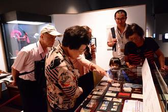 失智老人訪台史博 對日據時代物品如數家珍