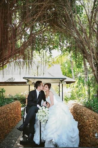 郭惠妮峇里島完婚 甜嫁達欣公子