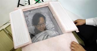日葬禮業者 提供試穿壽衣躺棺材活動