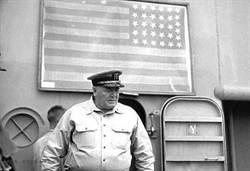 一面美國國旗 讓日本記憶百年恥辱