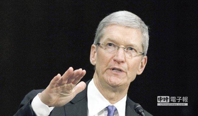 蘋果現任執行長Tim Cook。蘋果市值在美國時間周二盤中首度突破7千億美元關卡,對於Tim Cook無疑是個漂亮的成績單。(本報資料照片)