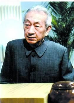 周俊勳:吳老師如同神般仙逝了