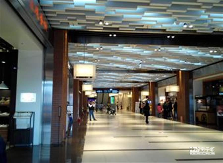 松山車站智慧消費實證新場域,圖為該車站美食街實景。(資策會提供)