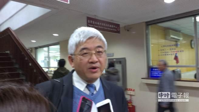 上月14日才接任味全公司董事長的李鳳翱,在北院出庭時說,相信味全同仁,就混油案味全也做無罪答辯。