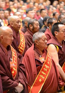 西藏:160座寺廟,近萬名僧尼獲政府表彰