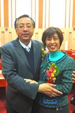 洪麗萍當選金門縣議長、副議長謝東龍