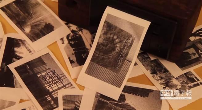 PrintSnap可列印解析度640x384的黑白相片,很具復古味。(摘自YouTube)