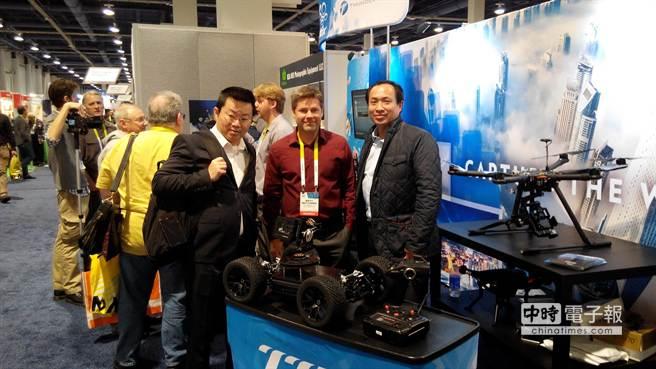 雷虎科技本月6~9日,正在美國CES展,公開亮相多軸無人載具等產品。(圖/雷虎提供)