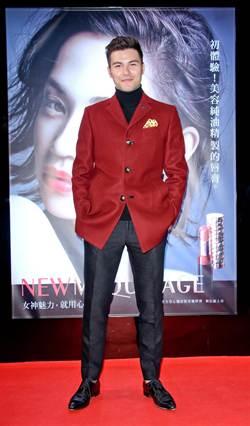 鳳小岳 擔任資生堂大使