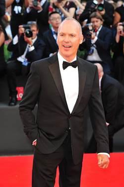 《鳥人》勇奪金球獎最佳男主角、最佳劇本 米高基頓登影帝淚眼致謝