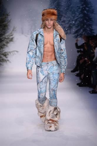 倫敦男裝周 Moschino男模裸身秀皮草