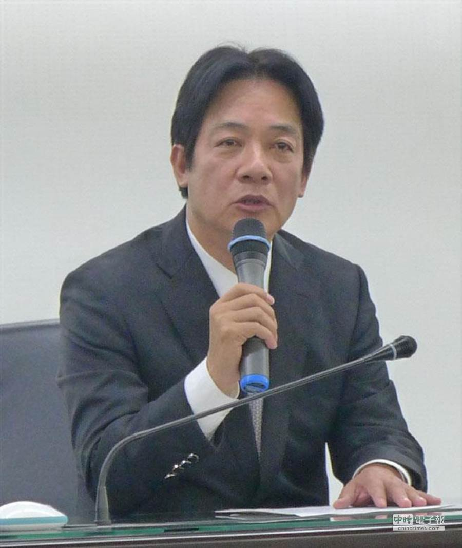 針對台南市議會有賄選傳聞,台南市長賴清德今主動召開記者會強調,他不進入議會的最長期限為一年;另外,台南市政府104年度總預算已在去年底完成審查並公告施行,因此市民權益不受影響。(資料照片/曹婷婷攝)
