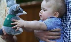 英喬治小王子收774件禮物 完勝女王