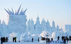 太陽島雪博會 巨型主塑「綻放」異彩