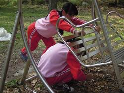 南華國中認養環保公園 百名師生齊打掃