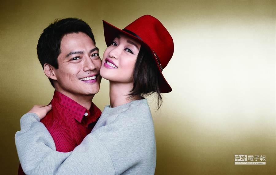 周迅與老公高勝遠甜蜜入鏡,為H&M亞洲獨賣商品代言。(品牌提供)