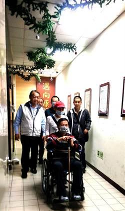 扁上午赴新樓醫院 女婿趙建銘為他看診