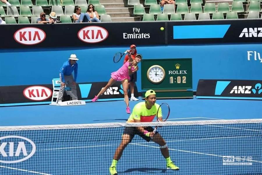 張凱貞與中國張澤今天於澳網混雙第1輪勝出。(張凱貞提供)