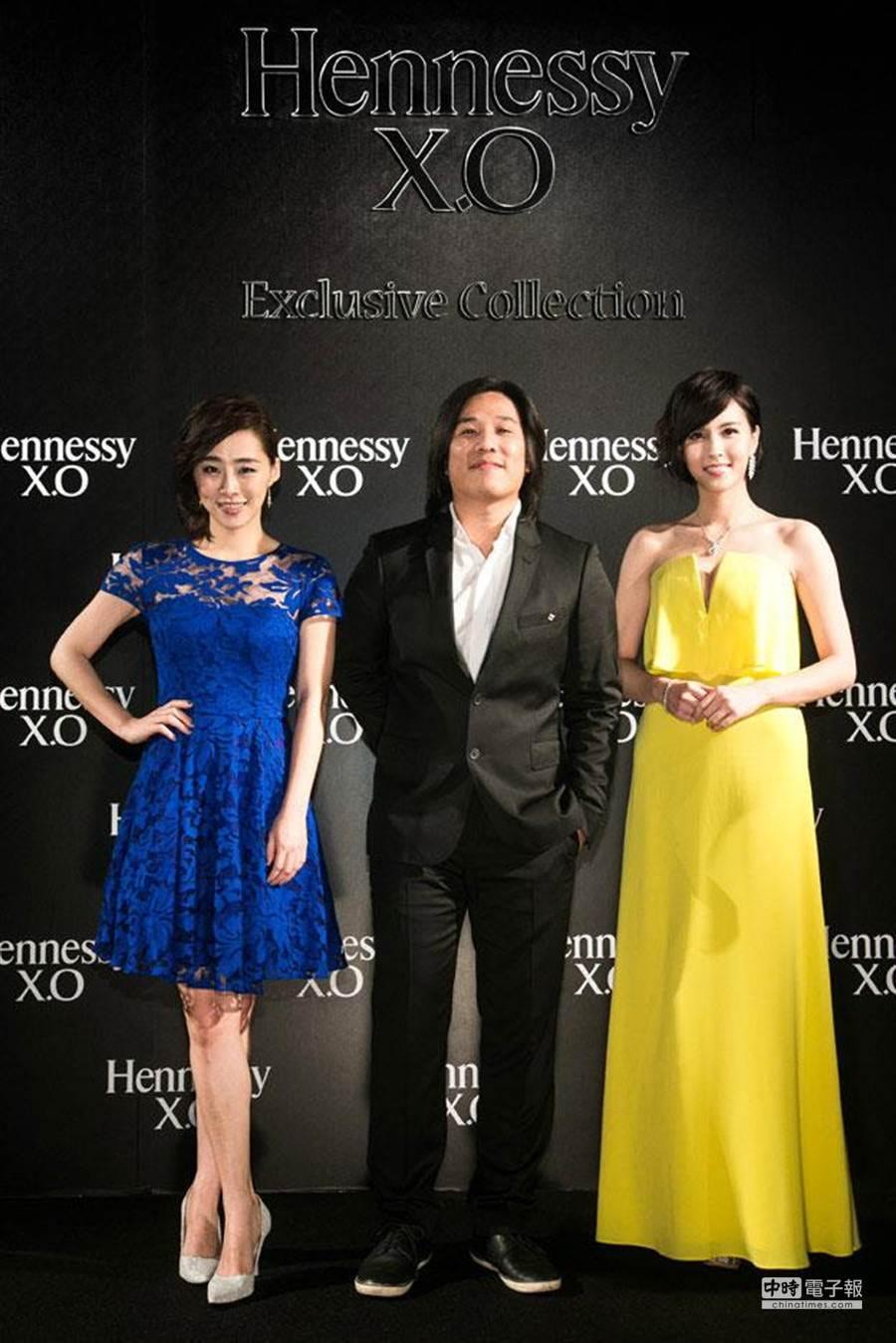 (左起)吳可熙、張榮吉導演、魏蔓。