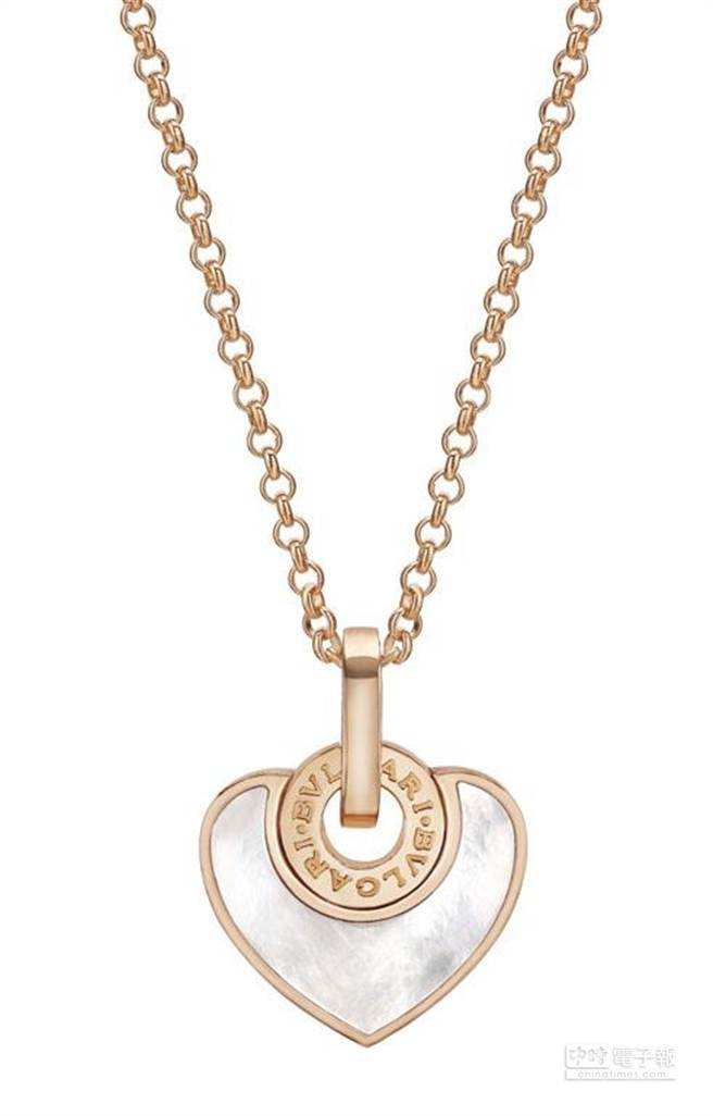 BVLGARI CUORE玫瑰金珍珠母貝項鍊_售價約新台幣72,000元。