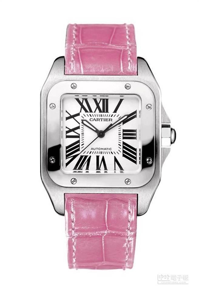 卡地亞精鋼錶殼搭載自動機芯,搭配粉紅色鱷魚皮錶帶,小型款建議售價201,000元。