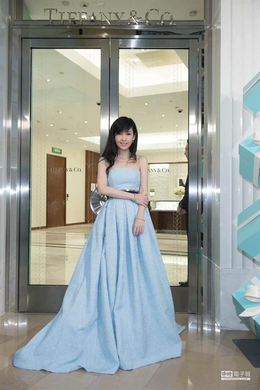 周慧敏站台Tiffany台北101店重新開幕,展現玉女掌門人風範。(Tiffany提供)