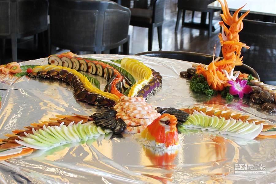 功夫菜前菜「鳳凰七彩蝶拼盤」嚴選10種以上拼盤食材,美麗好吃。(北投麗禧提供)