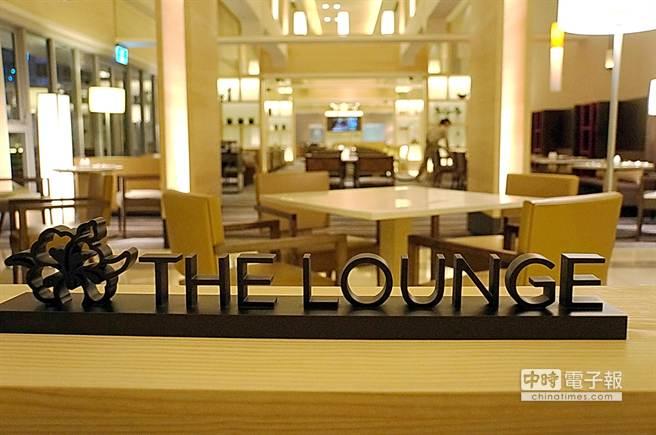 所有下榻〈HOTEL COZZI和逸.台南西門館〉的客人,都可以免費使用和逸著名的〈THE LOUNGE〉。(圖/姚舜攝)