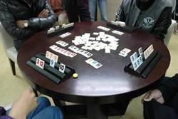 桌遊大賽動動腦 提升病人復健力