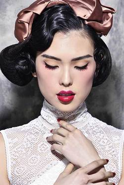 ORIENTAL RED絕代風華 嫵媚紅唇妝復古