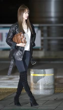 韓國女子天團少女時代團員潤娥也愛上了Pouch手拿包