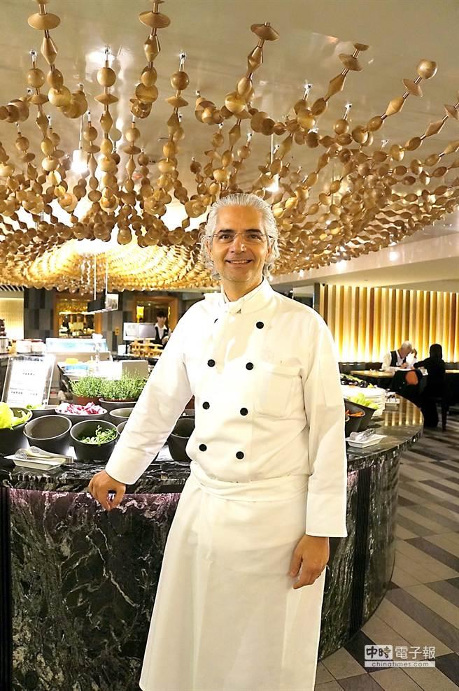 除了米其林1星外,馬修薩維耶(Xavier Mathieu))也擁有法國廚界最高榮譽「廚藝大師」勳章。(圖/姚舜攝)
