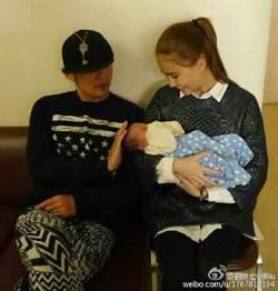 周杰倫和昆凌愛的抱抱 乾女兒預習當爸媽