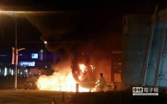 318周年 北市松山警分局警用機車遭縱火