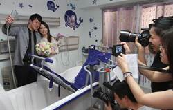 護理師拍婚紗 選擇安寧病房