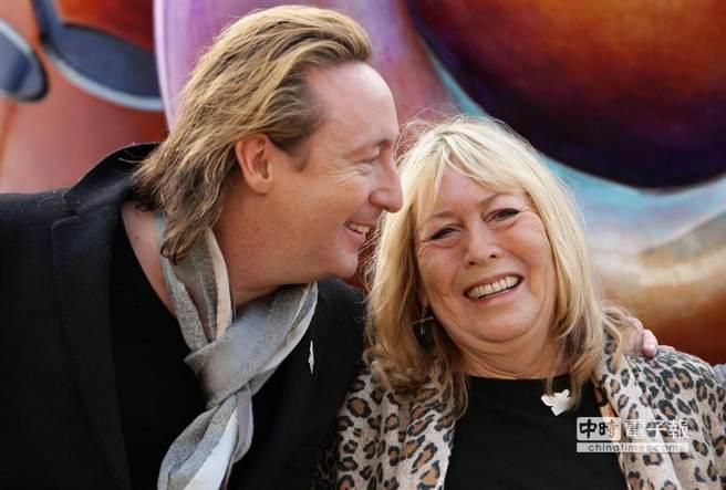 辛西亞與朱利安藍儂,攝於2010年。(取材自The Newdaily)