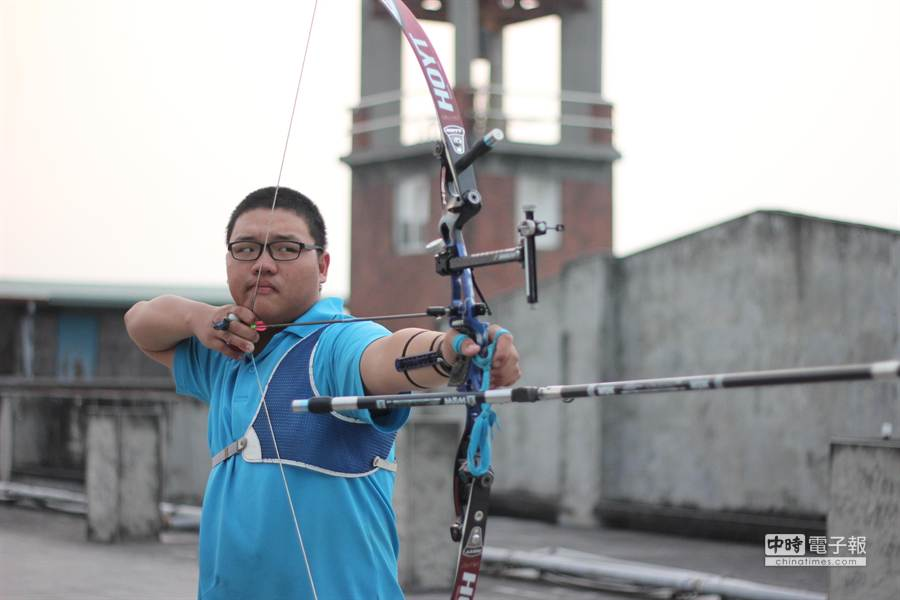 ▲2015世界青少年射箭錦標賽代表隊選拔賽,以第1名成績入選國家代表隊的郭佳龍。(楊樹煌攝)