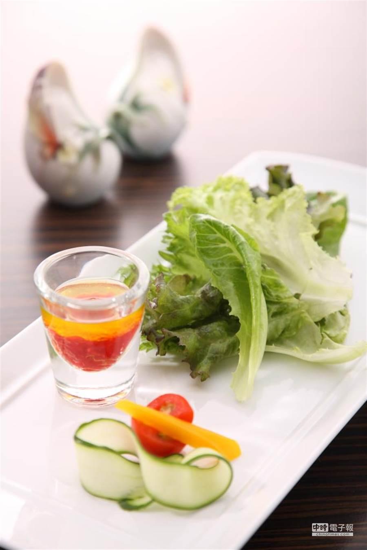 有機沙拉:莊園級活蔬沙拉(業者提供)