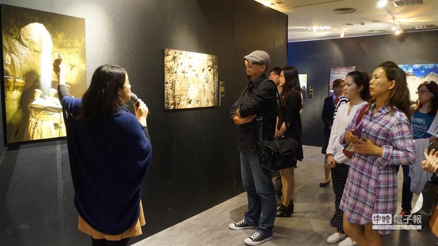 「新光三越國際攝影聯展系列活動」即日起於新光三越台中店10樓文化館盛大展出。(圖/曾麗芳)