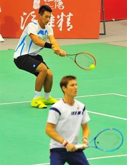 王介甫奪華國三太子盃網球雙打冠軍