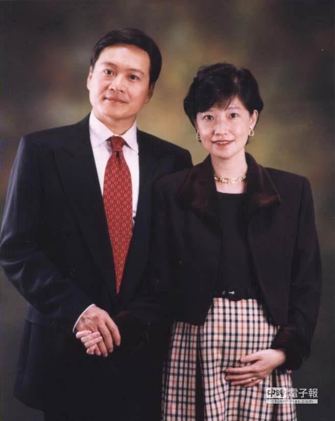 已婚,和妻子育一子的前台北市議員楊實秋,從政生涯看過許多光怪陸離的現象。(圖/楊實秋提供)